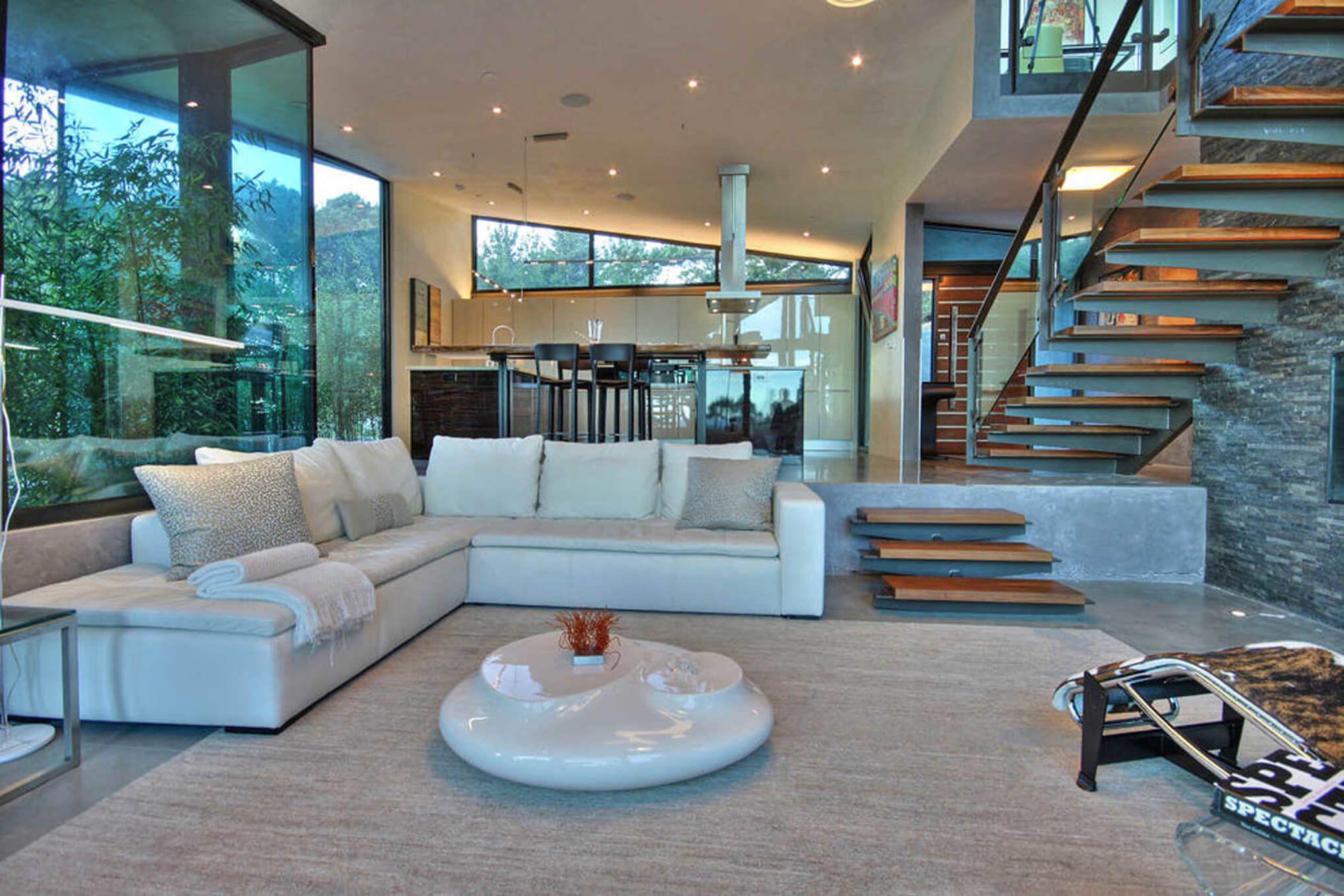 Modern and contemporary living room by Interior Designer, RM Interiors of Cincinnati, Ohio.