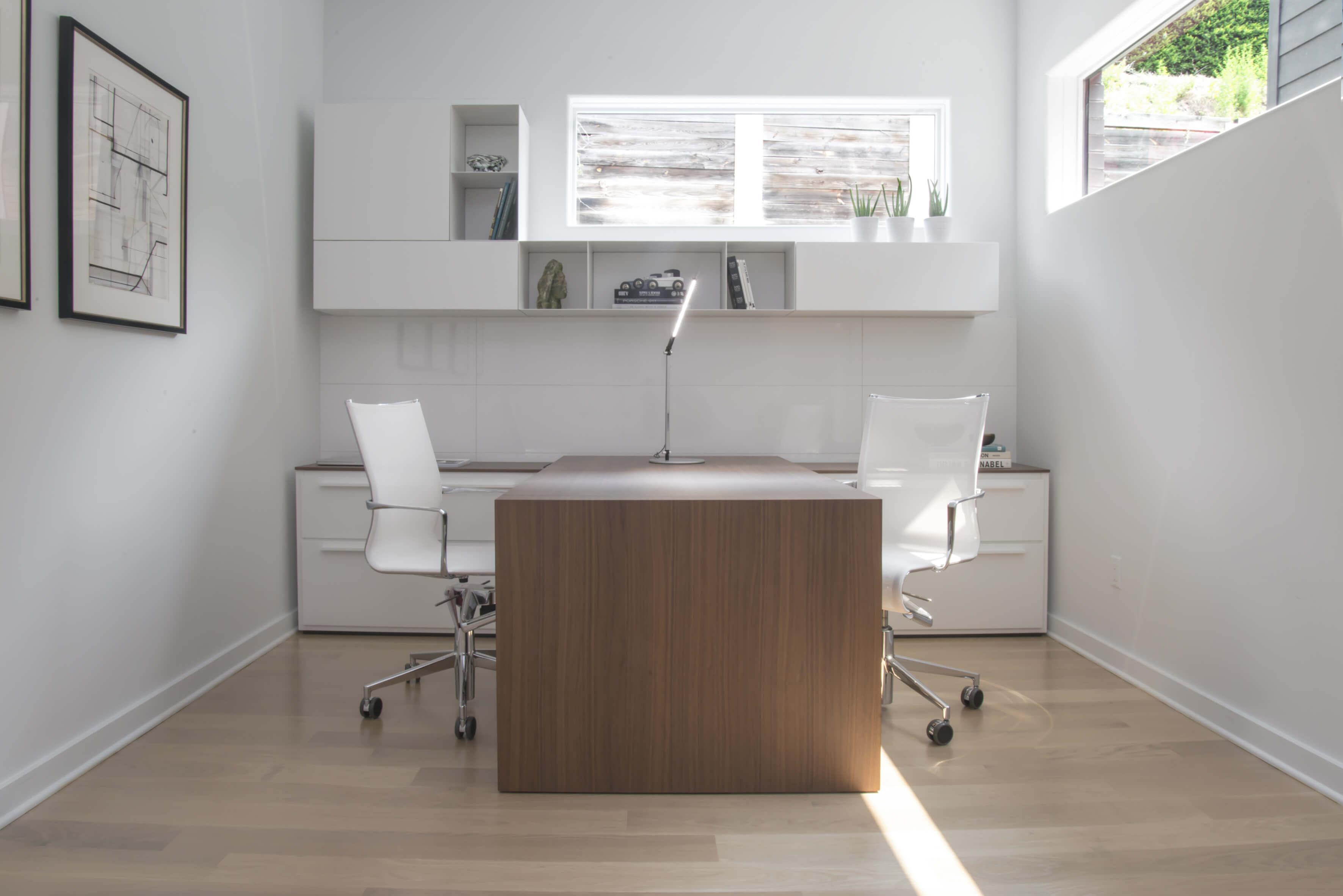 Custom modern home office design by interior designer, RM Interiors.