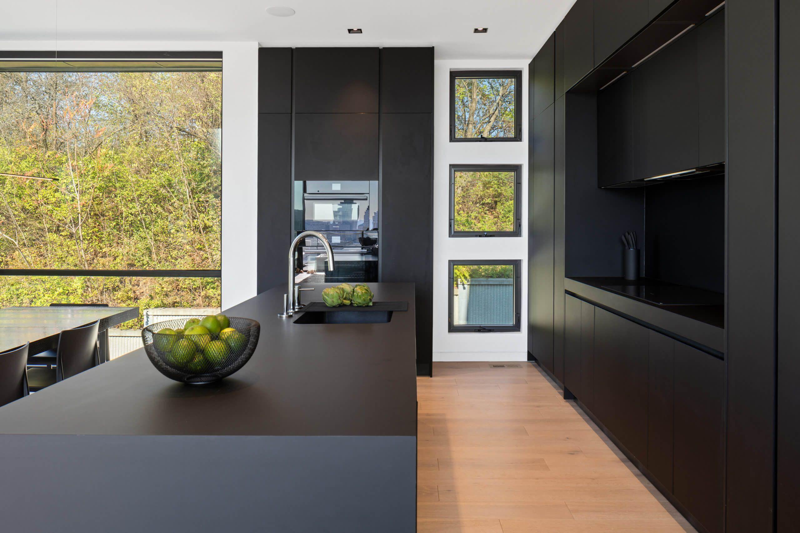 Custom High-End Kitchen by Interior Designer RM Interiors in Cincinnati, Ohio